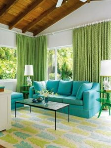 06-bold-living-room-decor-with-patterned-greenery-curtains